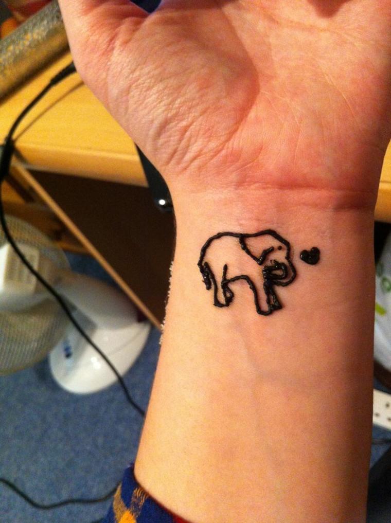 tatuajes-de-henna-elefante