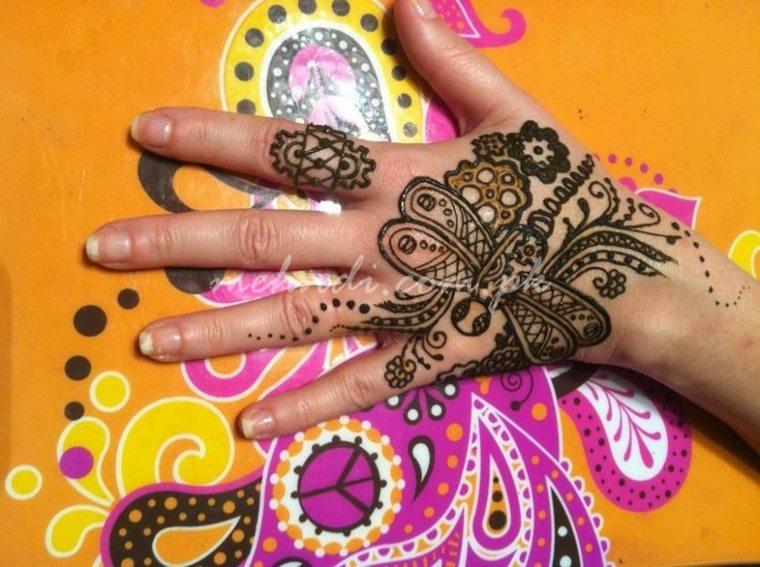 tatuajes-de-henna-flores