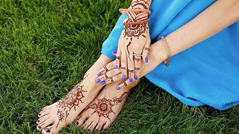 tatuajes-de-henna-manos-y-pies