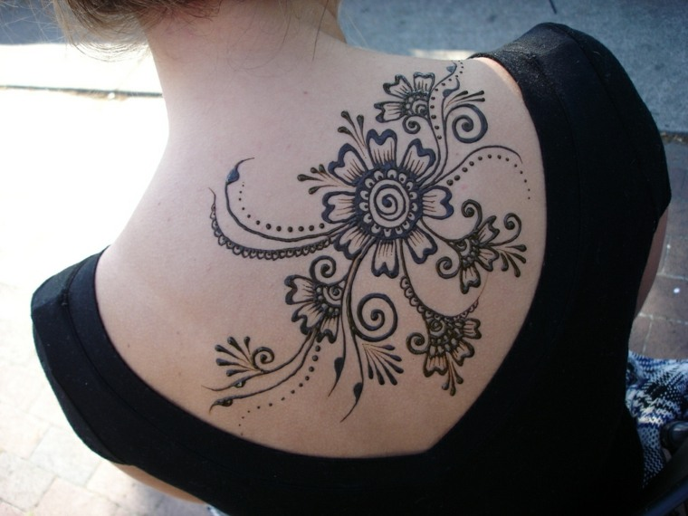 tatuajes temporales florales