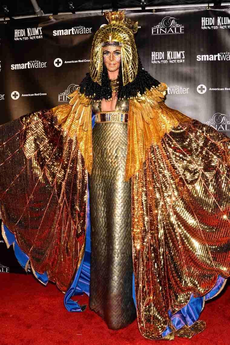 2012-heidi-klums-halloween-disfraz-cleopatra