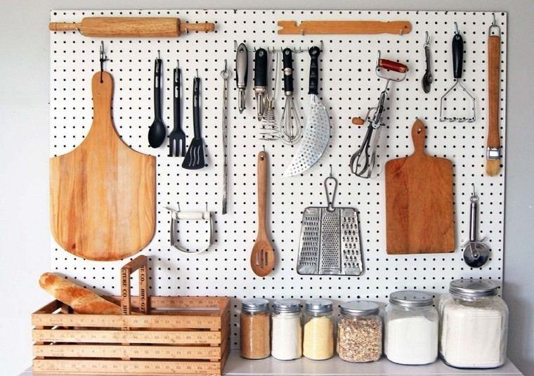 accesorios de cocina ideas-tablejo-clavijas-opciones-originales