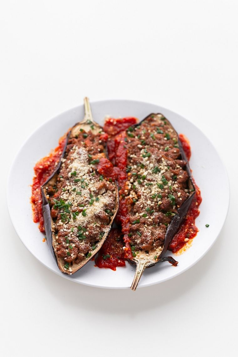 berenjenas-rellenas-receta-vegana-salsa-vegana