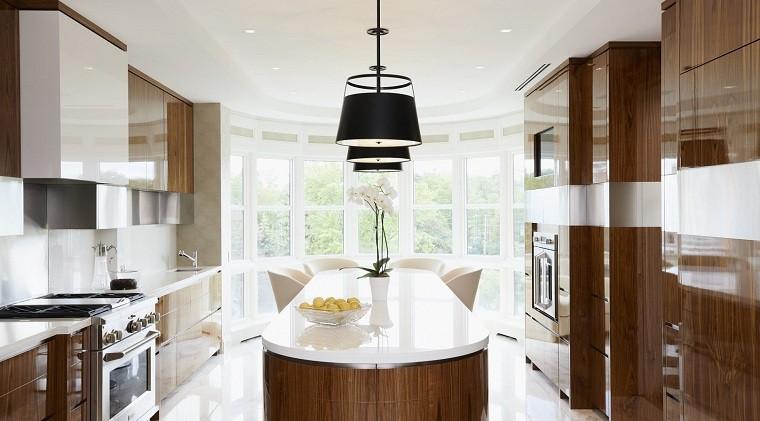 cocina-isla-forma-ovalada-Douglas-Design-Studio