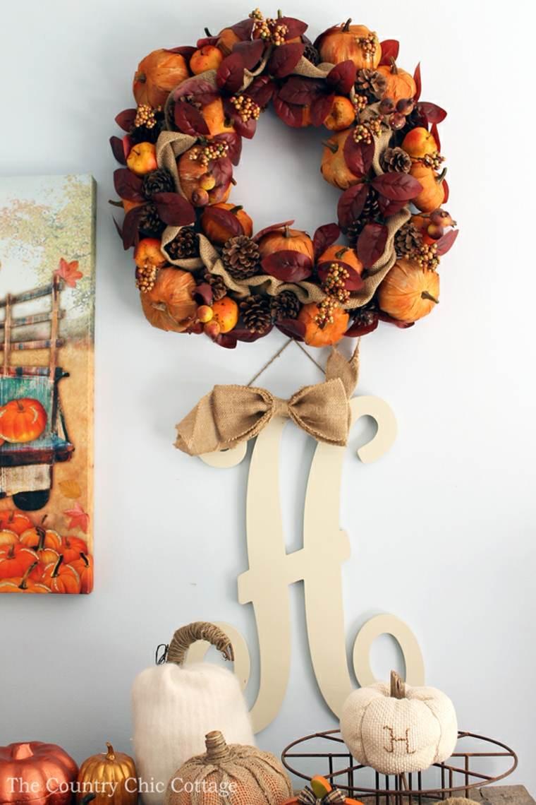 Las coronas secas son piezas simples de decoración de otoño