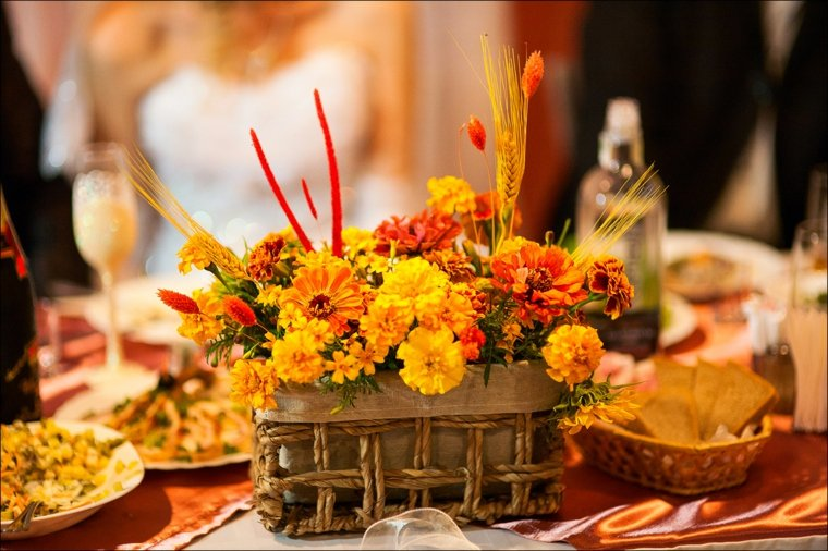 decoracion interior-flores-mesa-otono