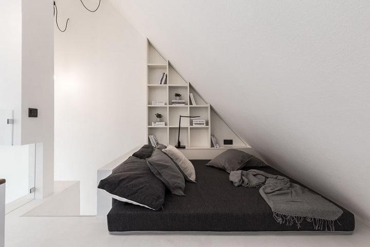 espacio-bajo-escalera-angular