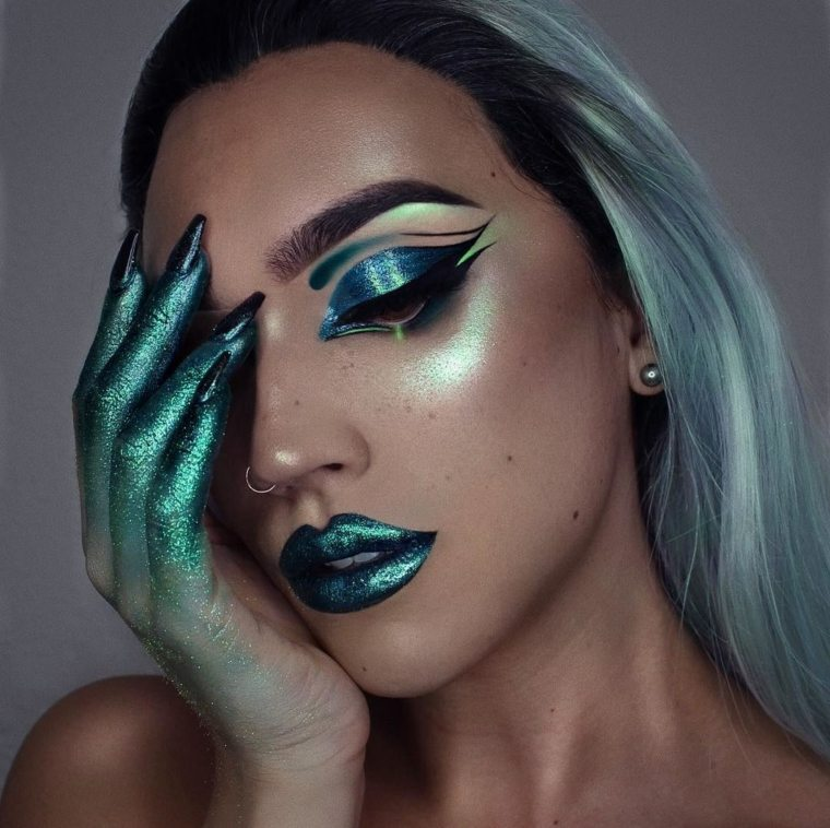 maquillaje-halloween-verde-brillos