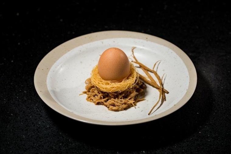 nido-de-fideos-con-huevo