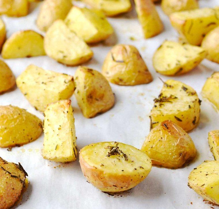 patatas-al-horno-romero-receta-ideas