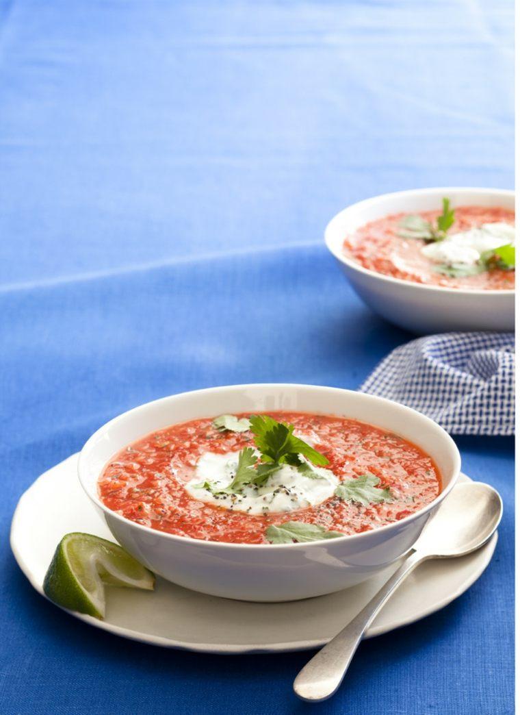 preparacion de gazpacho-casero