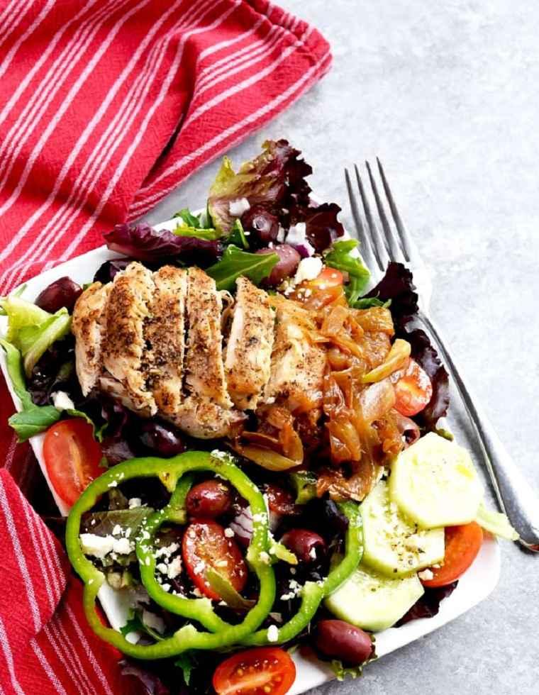 receta-facil-rapida-pollo-ensalada-griega-rica