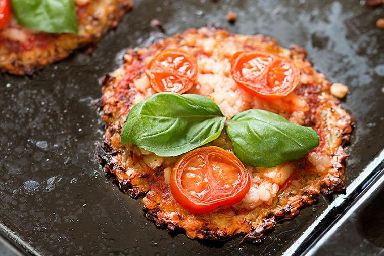 recetas-con-coliflor-pizza-tomates