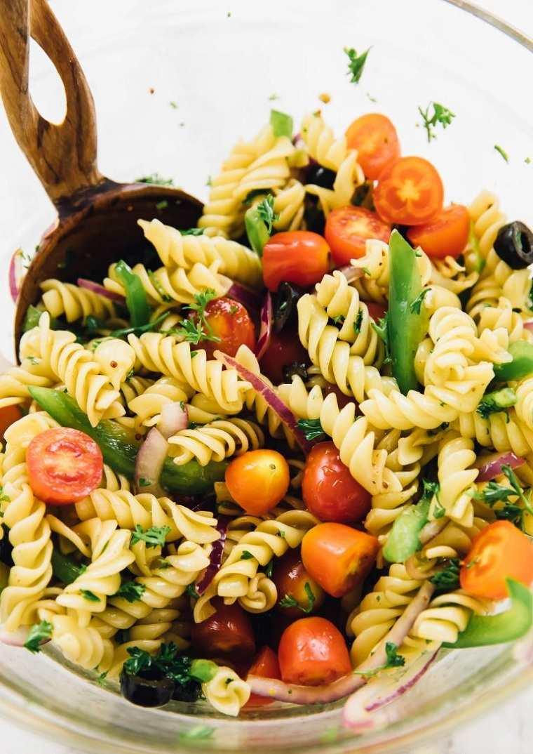 recetas-faciles-y-sanas-opciones-ensalada-rapida