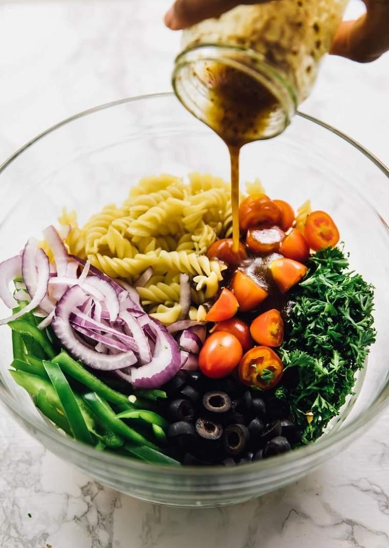 recetas-faciles-y-sanas-opciones-ensalada-vegana
