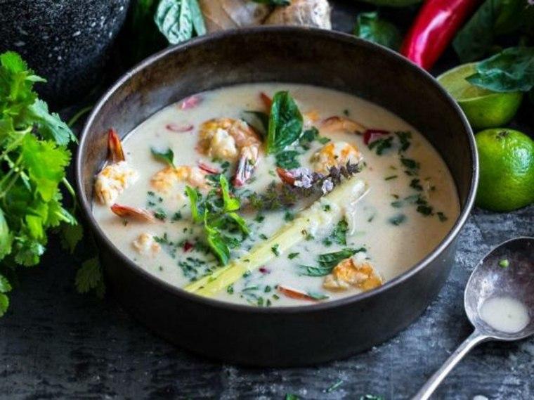 Camarones agridulces y sopa de coco