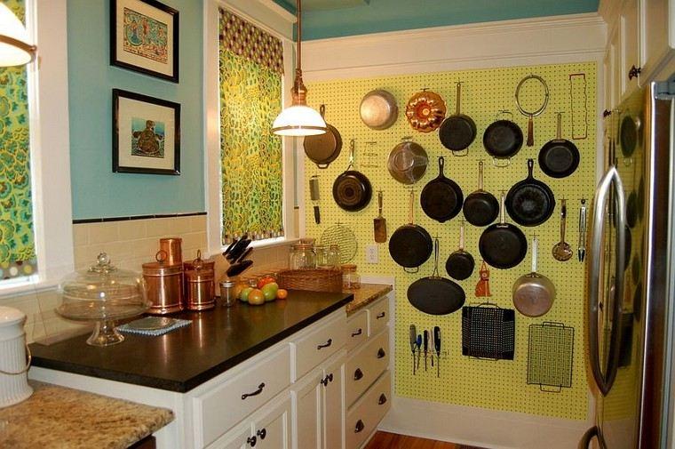 tablero-clavijas-cocina-pared-grande-almacenamiento