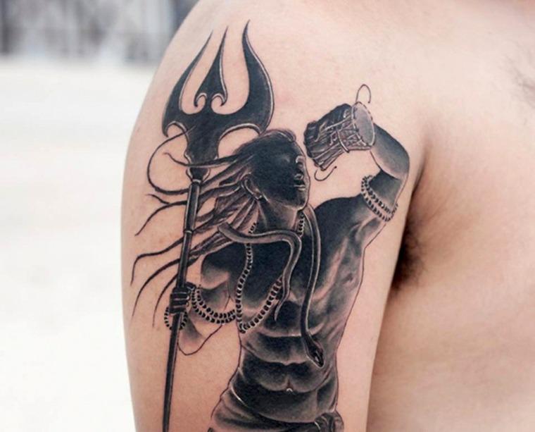 tatuaje-hombre-hombro-shiva