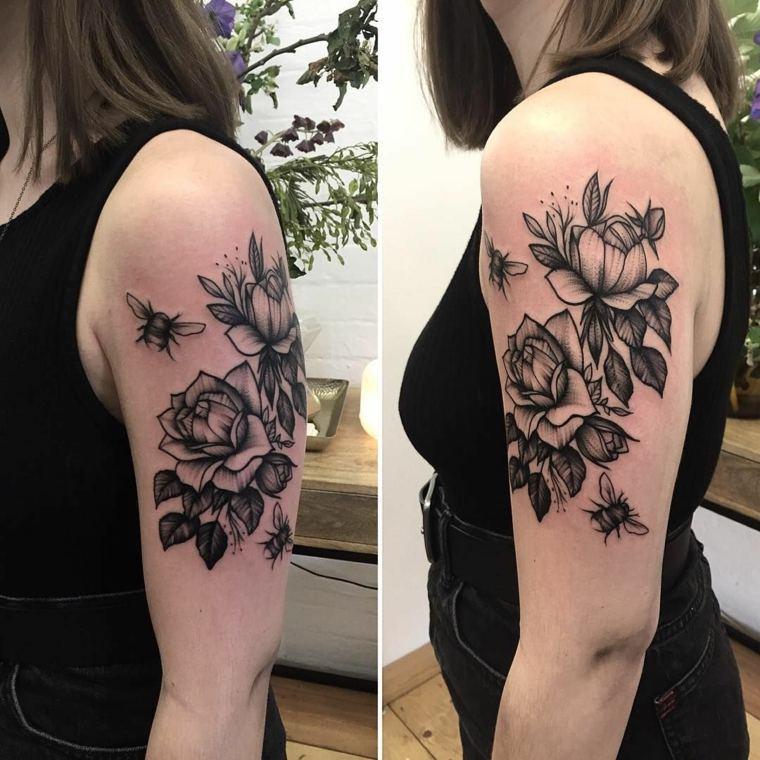 tatuaje-hombre-manga-rosas-avejas