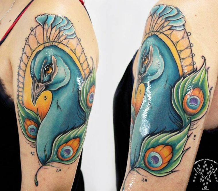 tatuaje-neo-tradicional-ave-azul