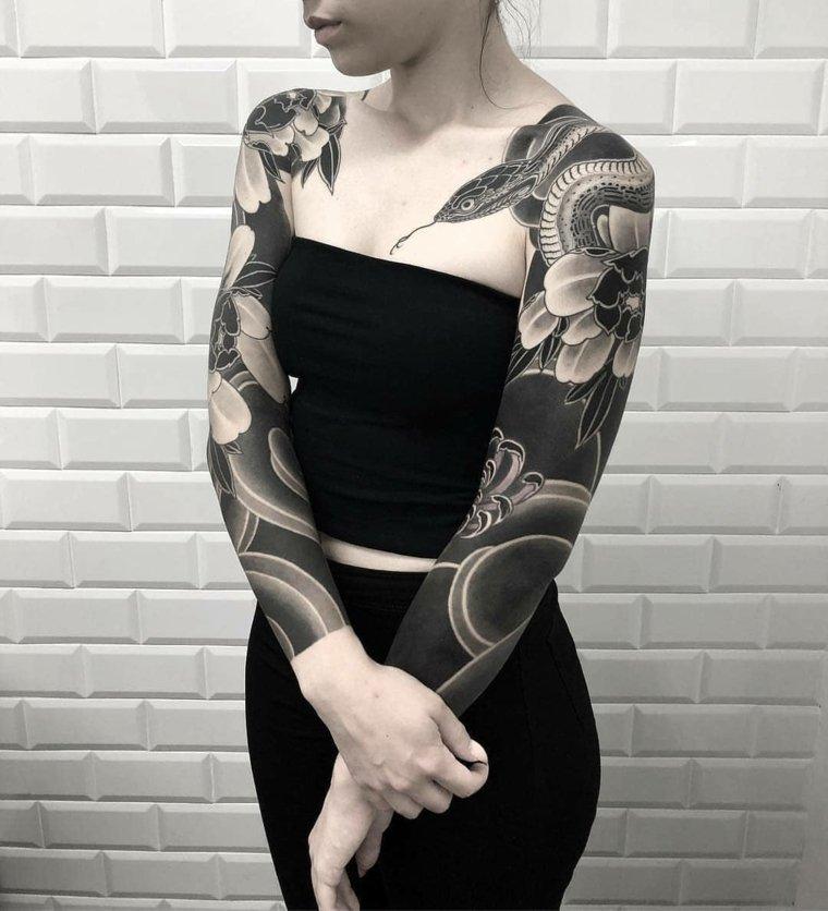 tatuaje-serpiente-opciones-mujer-ideas