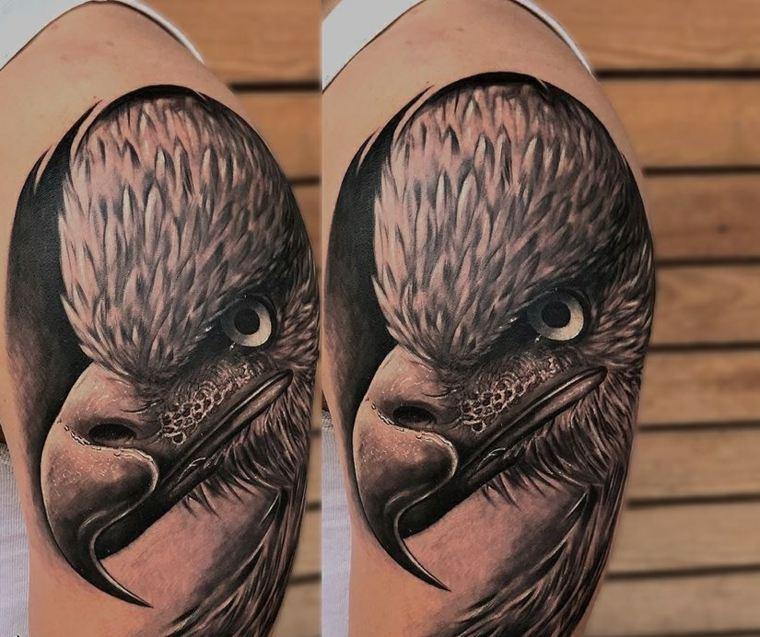 tatuajes-hombro-aguila-hombre