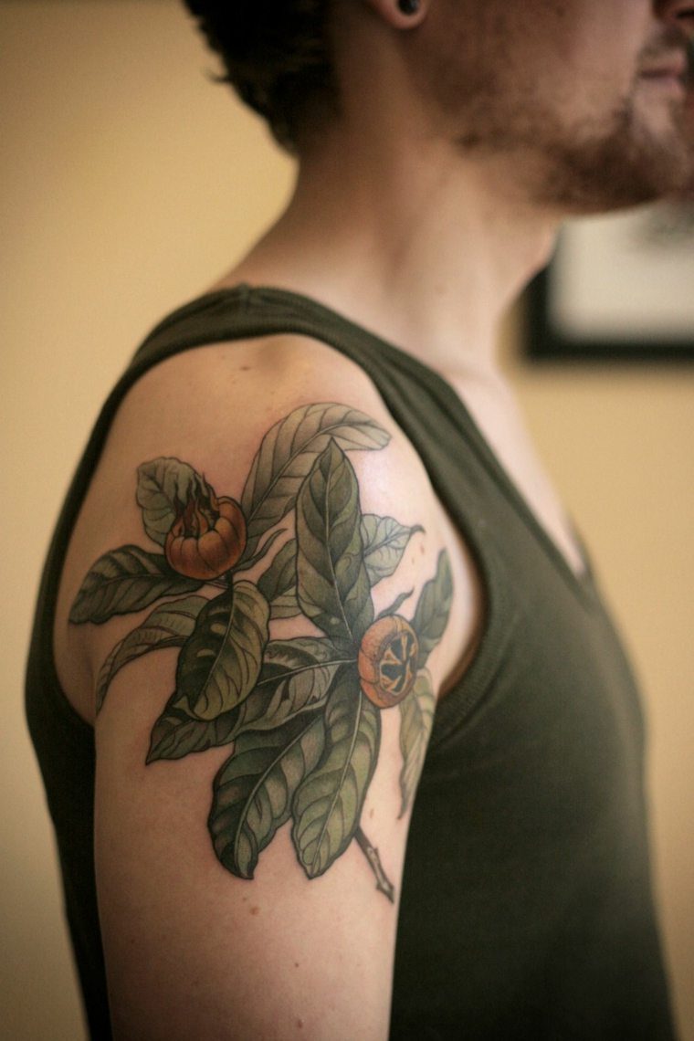 tatuajes-hombro-hombre-botanico