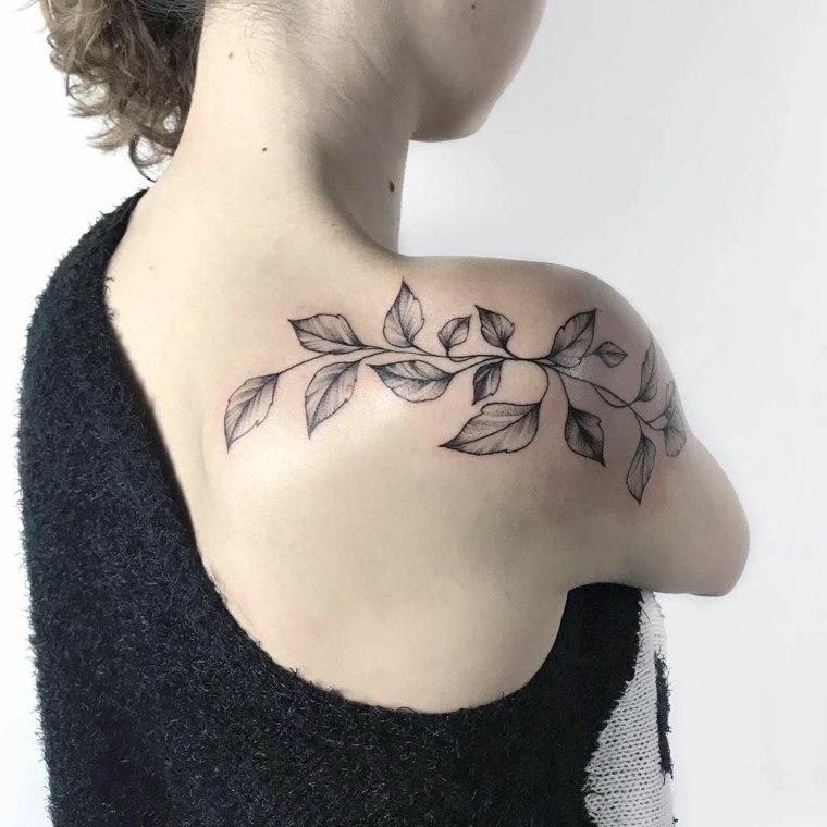 tatuajes-hombro-mujer-rama-hojas