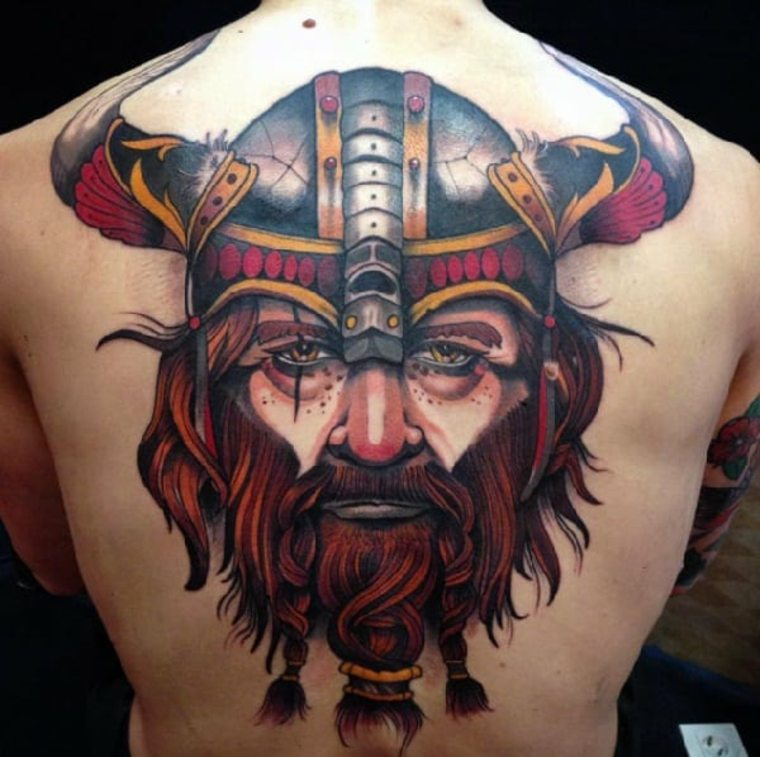 tatuajes neo-tradicionales-vikingo