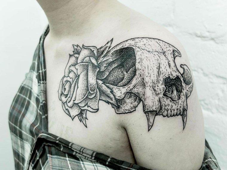 tatuajes para el hombro-calavera-animal