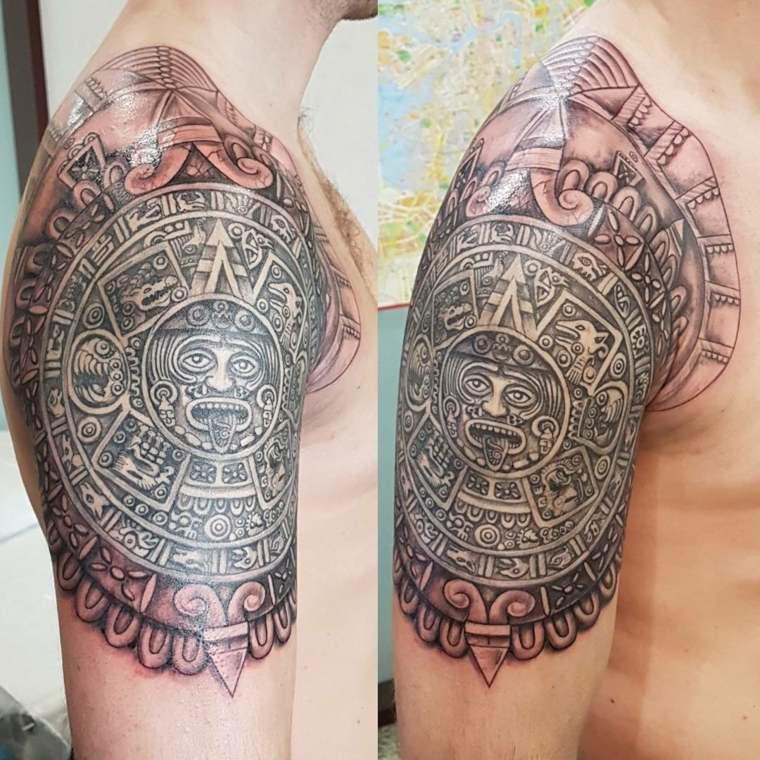 tatuajes-para-el-hombro-estilo-maya