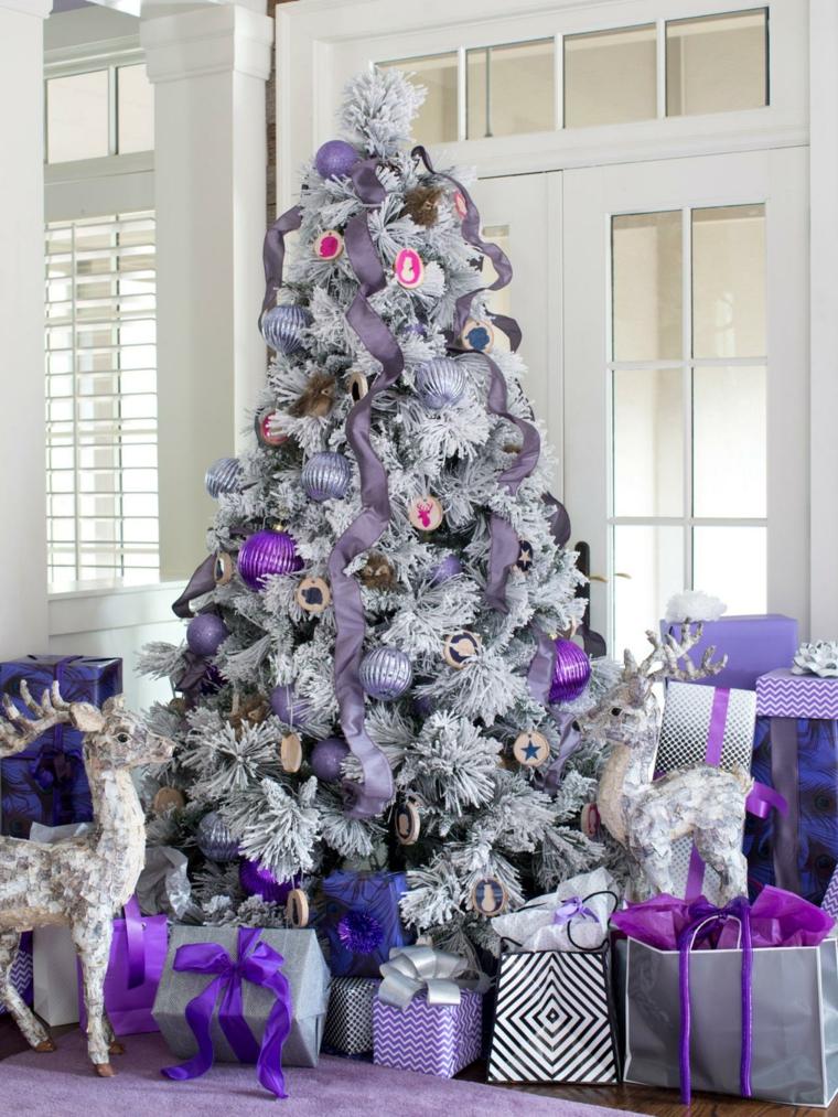 arbol navidad-decorado-morado