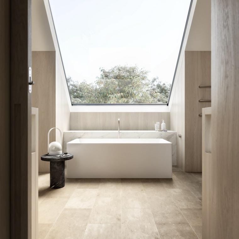baño-con-techo-de-vidrio