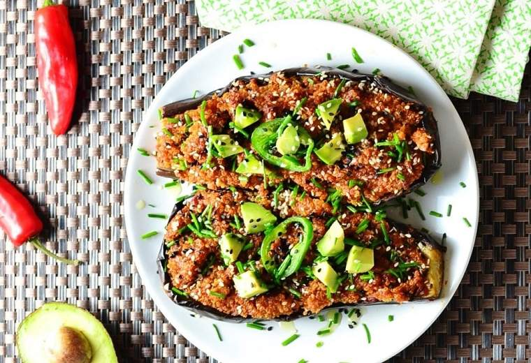 berenjenas-rellenas-de-atun-quinoa-receta