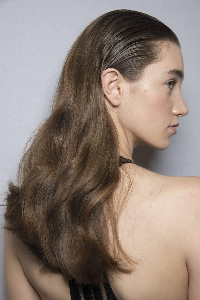 cabello-pomada-hacia-atras-opciones
