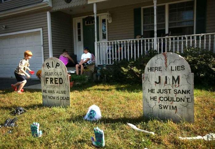 cementerios-creativos-halloween-decor