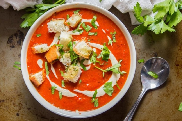 comida-vegana-spa-pimientos-rojos-crotones
