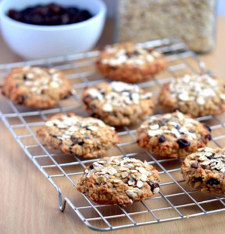 desayunos-veganos-ideas-galletas-avena-uvas-pasas