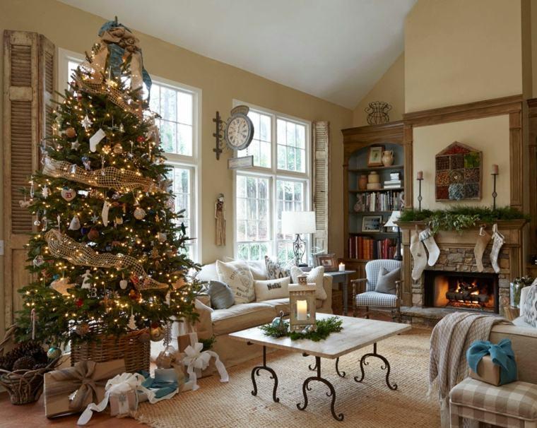 el arbol de navidad-decorando-salon
