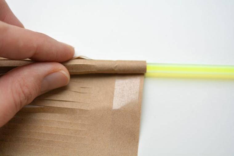 enrollar-papel-de-embalaje