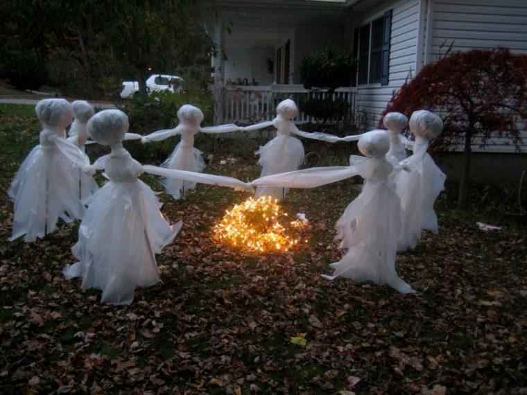 fantasmas para Halloween bailando