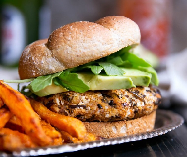hamburguesas-veganas-arroz-batata-receta-deliciosa
