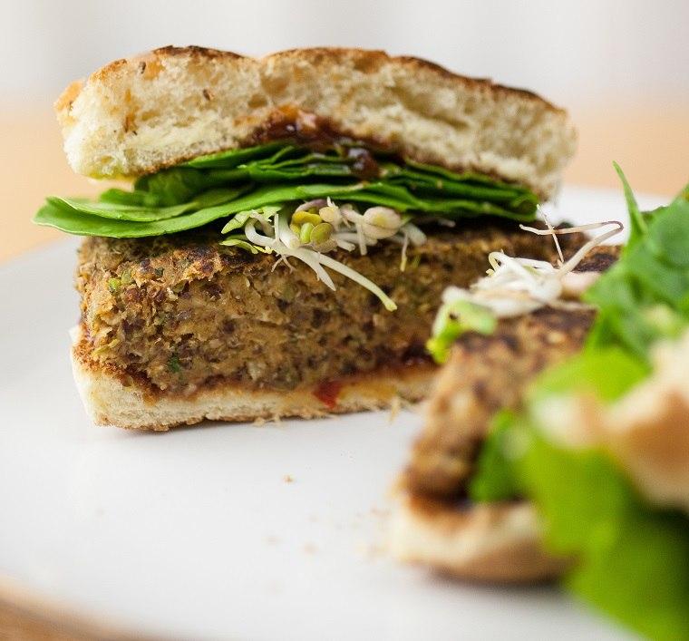 hamburguesas-veganas-quinoa-opciones-originales