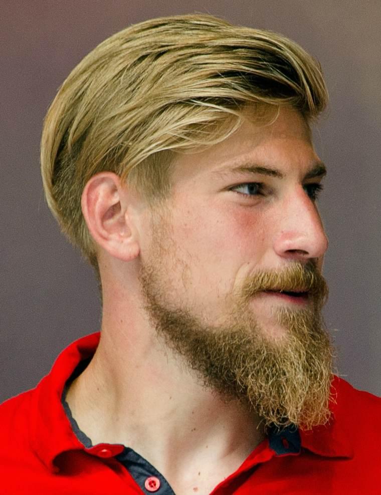 hombre-cabello-rubio-barab-estilo-moderno