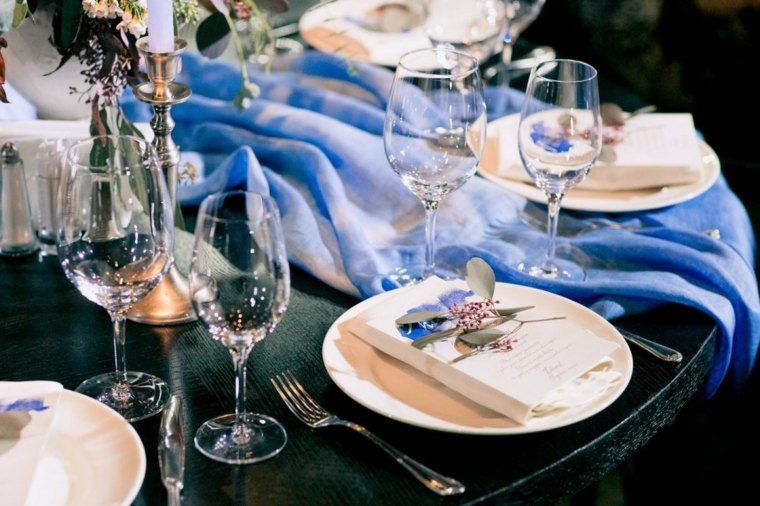 ideas para bodas invierno-decoracion-detalle-azul-claro
