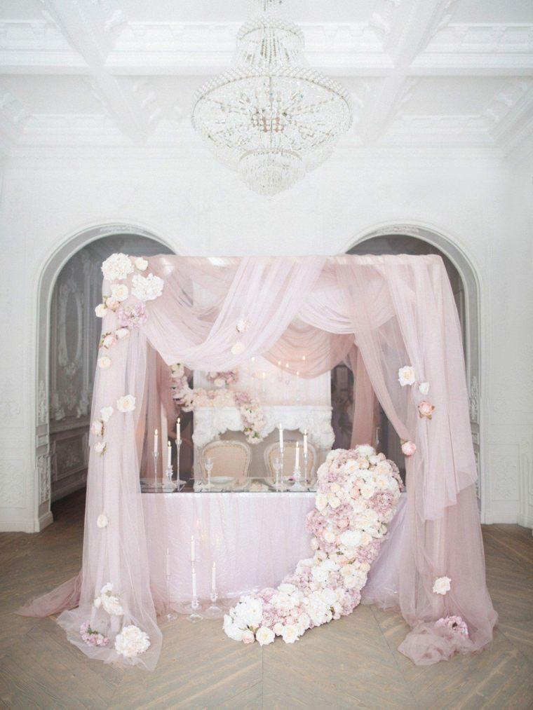 ideas-para-bodas-mesa-rosa-estilo-invierno