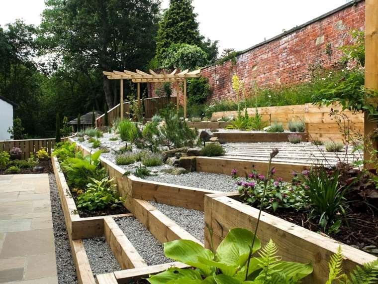 ideas para jardines inclinados