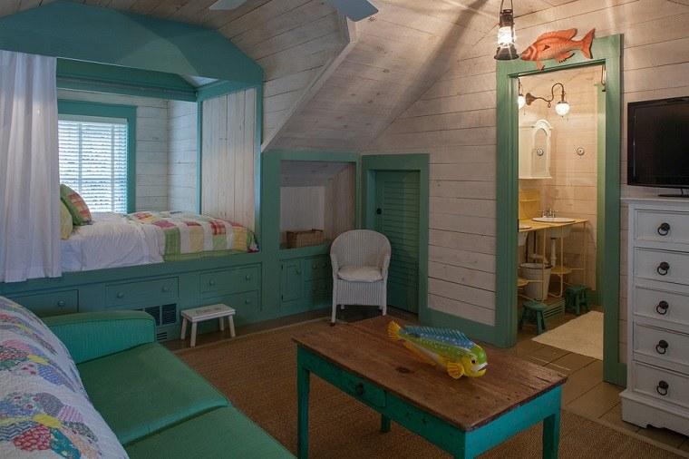 madera-detalles-verdes-cortinas