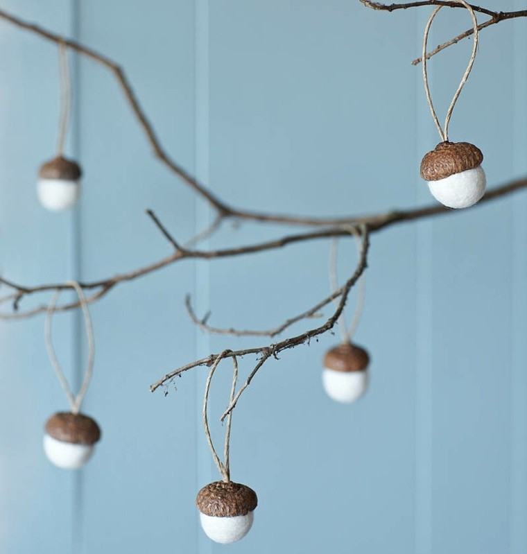 manualidades-decorativas-bellotas-secas