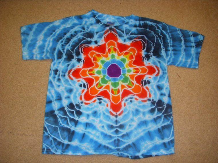 manualidades para fiestas camisetas-teñidas